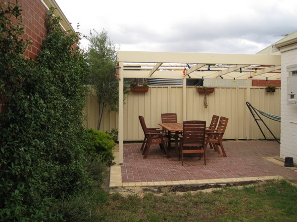 Pergola 03 - Seen from the Backyard