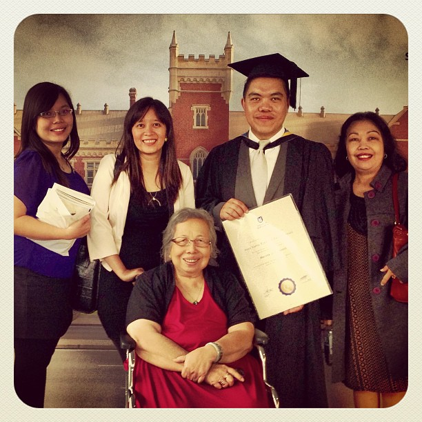 Those attending my graduation: Irene (my niece), Yani, Mum, myself, and Erly (my eldest sister)